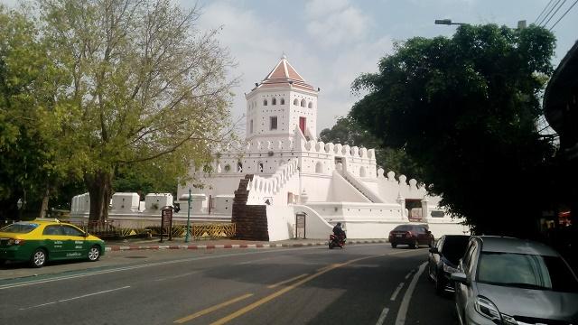 プラ・スメーン砦跡