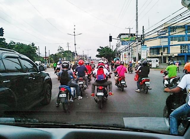 セブ島のバイク集団