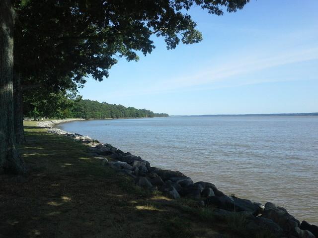 Jamestown(ジェームズタウン)の川