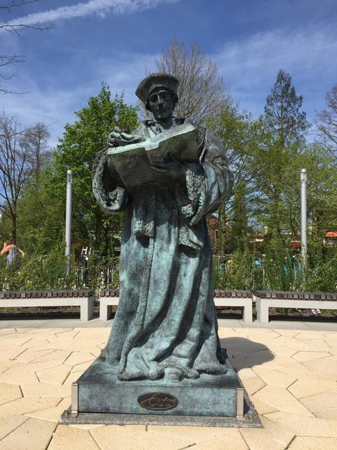 オランダの銅像