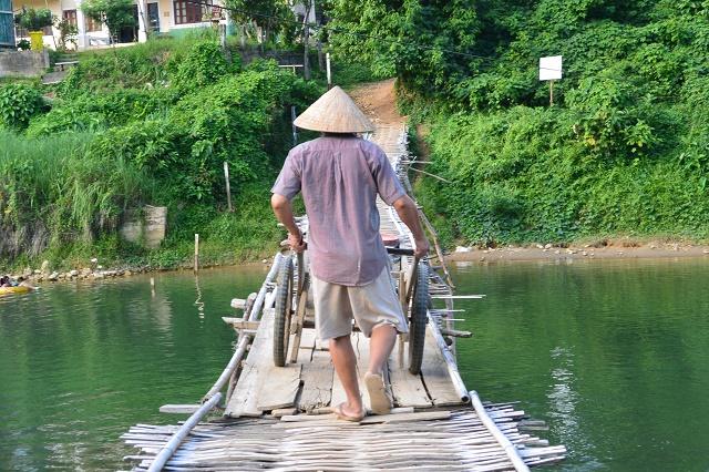 竹で作られた橋