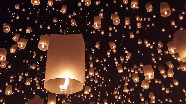 ロイクラトン(光の祭り)