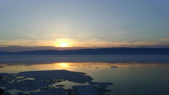 オリホン島で日の出