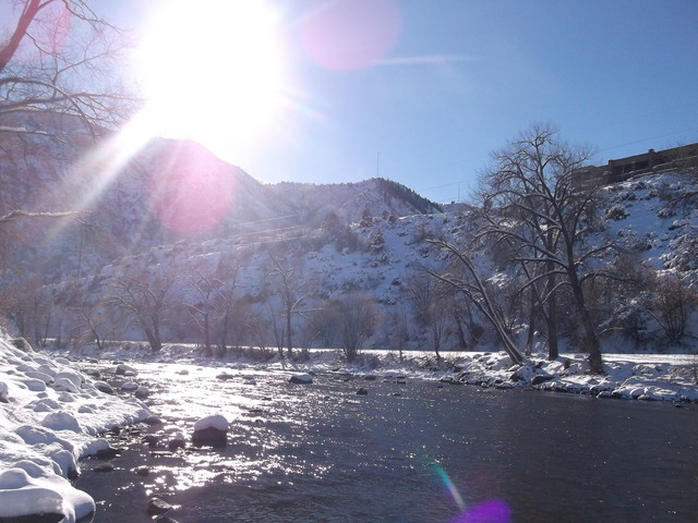 コロラドの川辺