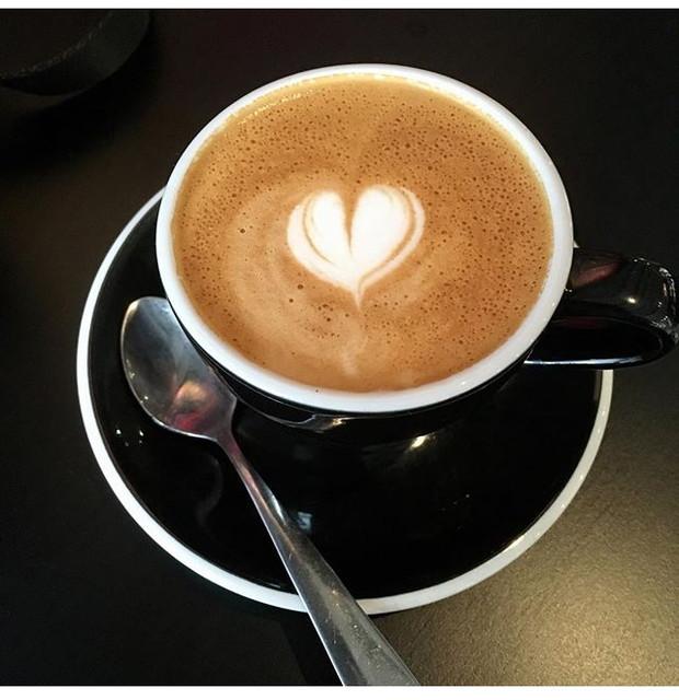 Flat white coffee(フラット・ホワイト・カフェ)