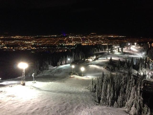スキー場の夜
