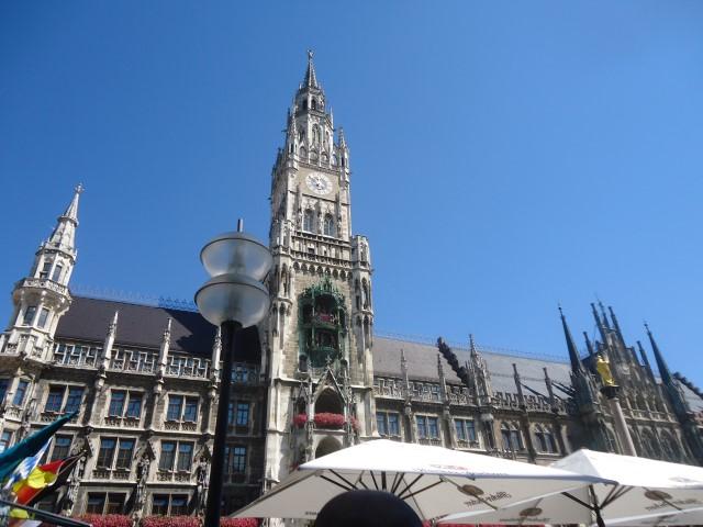 新市庁舎(Neue Rathaus/ラットハウス)