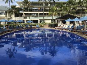 ホテルのプール