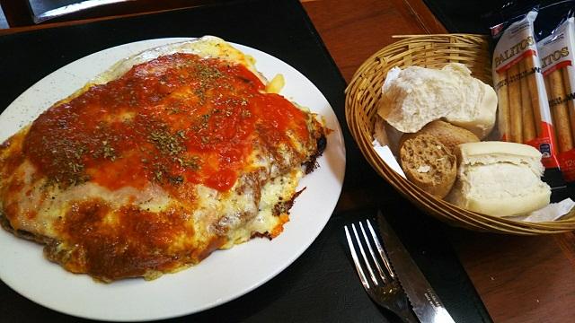 巨大カツ、Milanesa(ミラネサ)