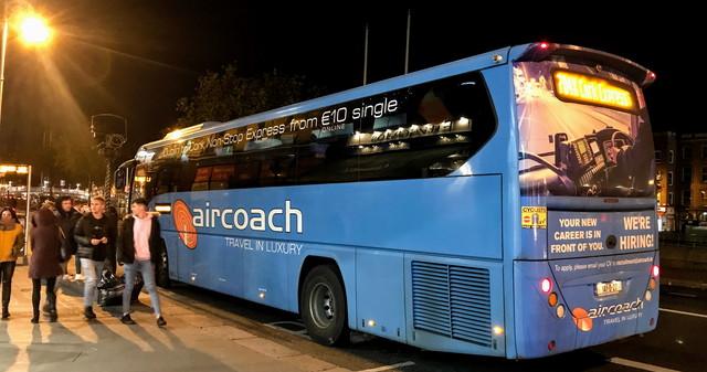 Air Coachのバス