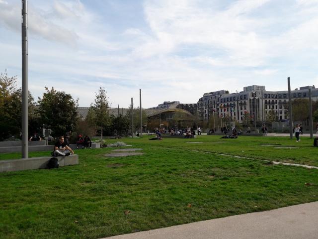 フォーラム・デ・アールの公園