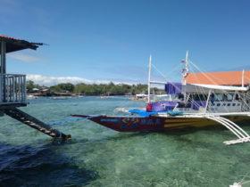 セブ島の海と船